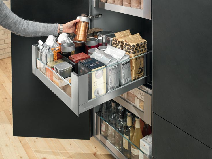 Blum Highlights Its Space Tower Pantry In Maderalia